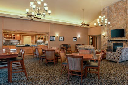 Lobby | Homewood Suites by Hilton Allentown-West/Fogelsville, PA