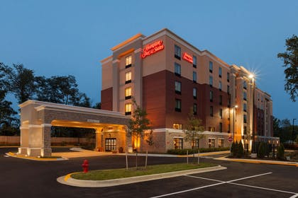 Exterior | Hampton Inn & Suites Camp Springs/Andrews AFB