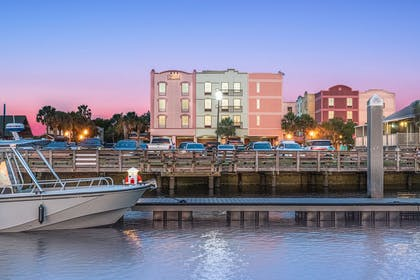 Exterior | Hampton Inn & Suites Amelia  Island-Historic Harbor Front
