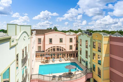 Pool | Hampton Inn & Suites Amelia  Island-Historic Harbor Front