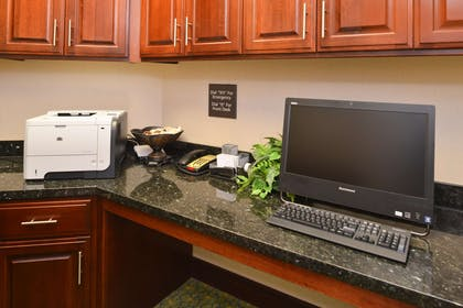 Business Center | Hampton Inn Alpine