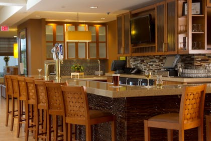 BarLounge | Hilton Garden Inn Cedar Falls Conference Center