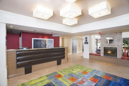 Reception | Hampton Inn & Suites Annapolis