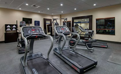 Health club | Hampton Inn and Suites Astoria