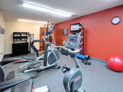 Health club | Hampton Inn Athens, TN