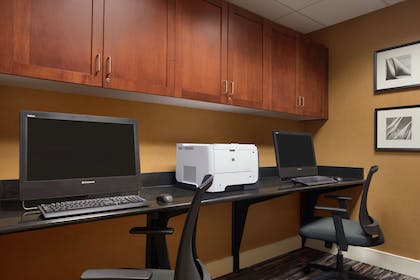 Business Center | Homewood Suites by Hilton Newtown - Langhorne, PA