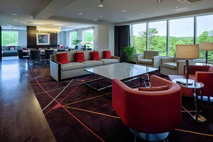 Lobby | DoubleTree by Hilton Hotel Bristol, Connecticut