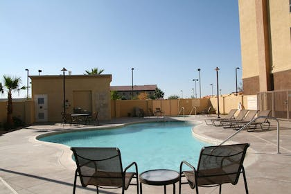 Pool | Hampton Inn & Suites Barstow