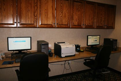 Business Center | Homewood Suites by Hilton Bakersfield