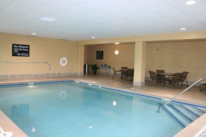 Pool | Hampton Inn Suites Brookings