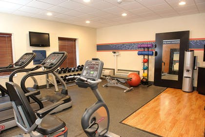 Health club | Hampton Inn Suites Brookings