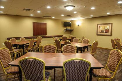 Meeting Room | Hampton Inn Suites Brookings
