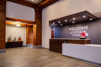 Reception | Hampton Inn & Suites Boise/Spectrum