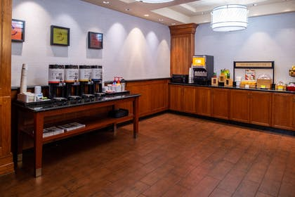 Breakfast Area | Hampton Inn & Suites Boise/Spectrum