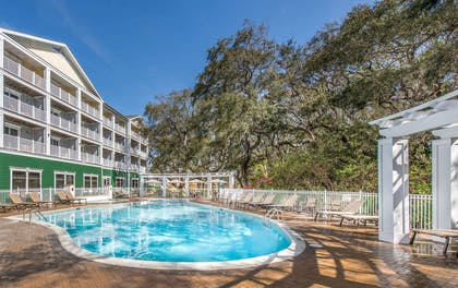 Pool | Hampton Inn and Suites Jekyll Island