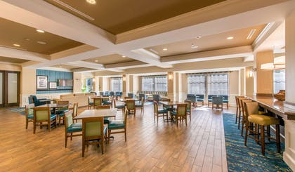 Restaurant | Hampton Inn and Suites Jekyll Island