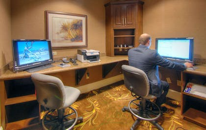 Business Center | Hampton Inn and Suites Jekyll Island