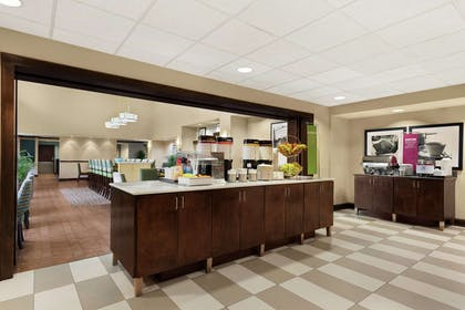 Restaurant | Hampton Inn Suites Brunswick GA
