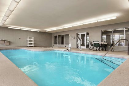 Pool | Hampton Inn Suites Brunswick GA