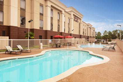 Pool | Hampton Inn & Suites Baton Rouge - I-10 East