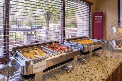 Restaurant | Hampton Inn Columbia Northeast - Fort Jackson Area