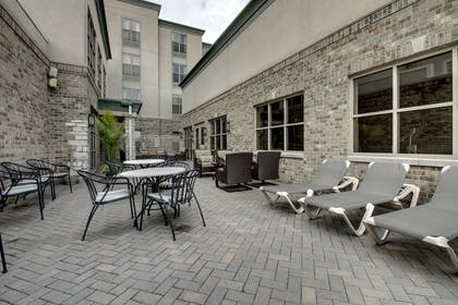 Exterior | Hampton Inn & Suites Chicago/Aurora