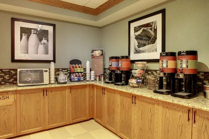 Restaurant | Hampton Inn & Suites Chicago/Aurora