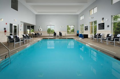 Pool | Hampton Inn & Suites Chicago Southland-Matteson