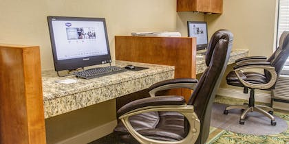 Business Center | Hampton Inn Charleston - Daniel Island