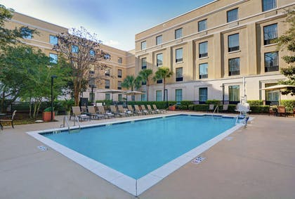 Pool | Hampton Inn Charleston - Daniel Island