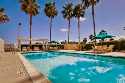 Pool | Hampton Inn & Suites Chino Hills