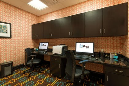 Business Center | Hampton Inn & Suites Clarksville