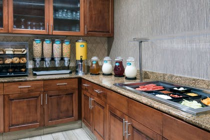 Breakfast Area | Homewood Suites by Hilton Cleveland-Beachwood