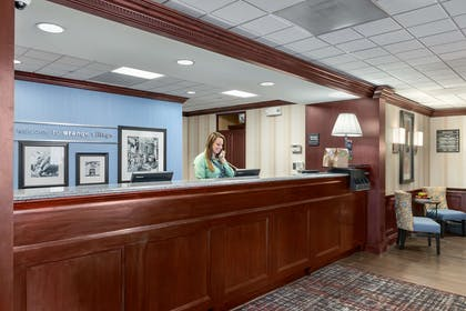 Reception | Hampton Inn & Suites Cleveland-Beachwood