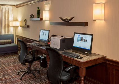 Business Center | Hampton Inn & Suites Cleveland-Beachwood