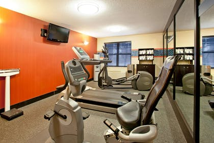 Health club | Hampton Inn & Suites Cleveland/Independence