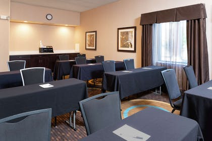 Meeting Room | Hampton Inn & Suites Cleveland-Airport/Middleburg Heights