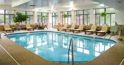 Pool | Hampton Inn Cleveland-Solon