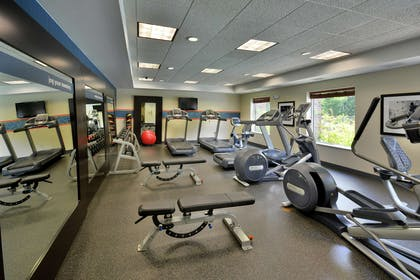 Health club | Hampton Inn & Suites Huntersville