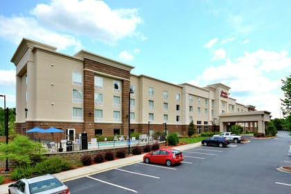 Exterior | Hampton Inn & Suites Huntersville