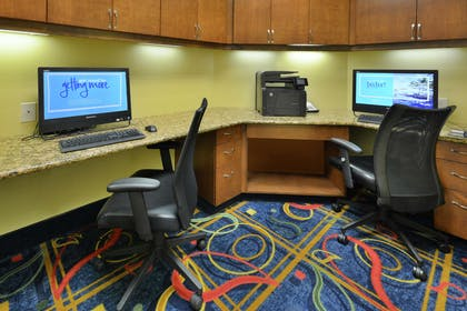 Business Center | Hampton Inn & Suites Huntersville