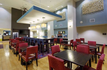 Restaurant | Hampton Inn & Suites Clearwater/St. Petersburg-Ulmerton Road, FL