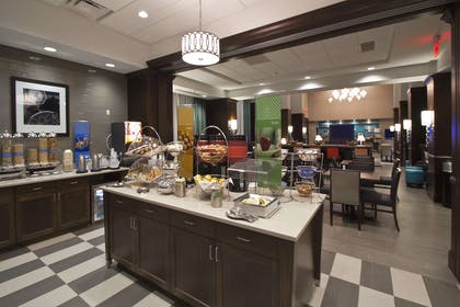 Restaurant | Hampton Inn & Suites Columbus/University Area