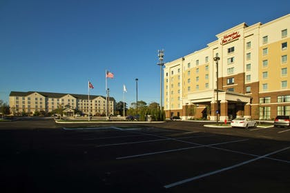 Exterior | Hampton Inn & Suites Columbus/University Area