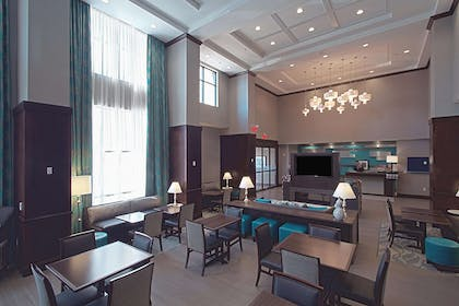 Reception | Hampton Inn & Suites Columbus/University Area