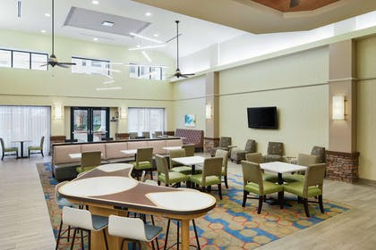 Lobby | Homewood Suites by Hilton Columbus
