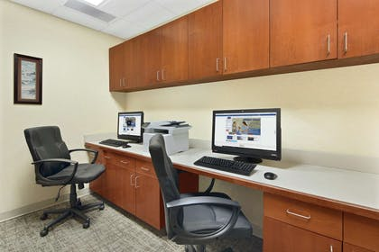 Business Center | Hampton Inn Columbus-North