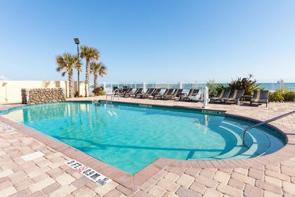 Pool | Hampton Inn Daytona Beach/Beachfront