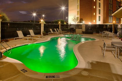 Pool | Hampton Inn & Suites Dallas/Lewisville-Vista Ridge Mall, TX