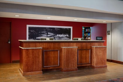 Reception | Hampton Inn Dubuque